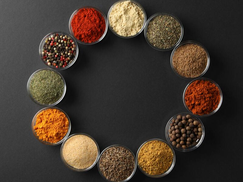 Vajon a fűszerek tényleg csak az ételek ízesítéshez nélkülözhetetlenek?